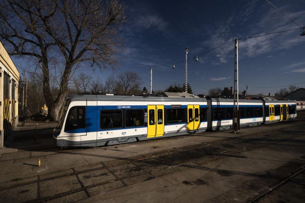 Nové vlakotramvaje Citylink pro MÁV Start. Foto: Balász Szescody