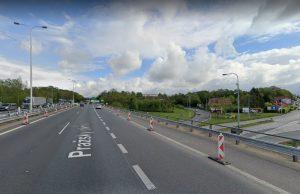 Pražský okruh a most přes Chlumeckou ulici na Černém Mostě. Foto: Google Street View