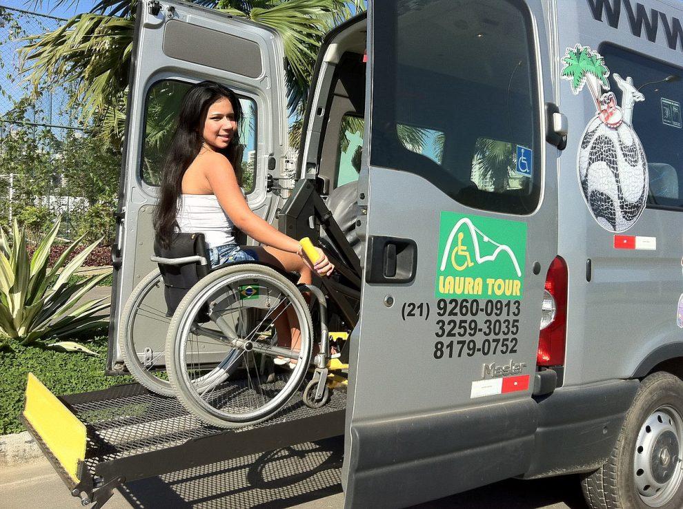 Přeprava handicapovaných, ilustrační foto. By Dinafgomes - Own work, CC BY-SA 4.0, https://commons.wikimedia.org/w/index.php?curid=38666802