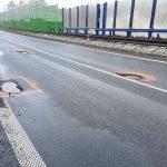 Výtluky na silnici I/11 kolem Jablunkova. Foto: ŘSD