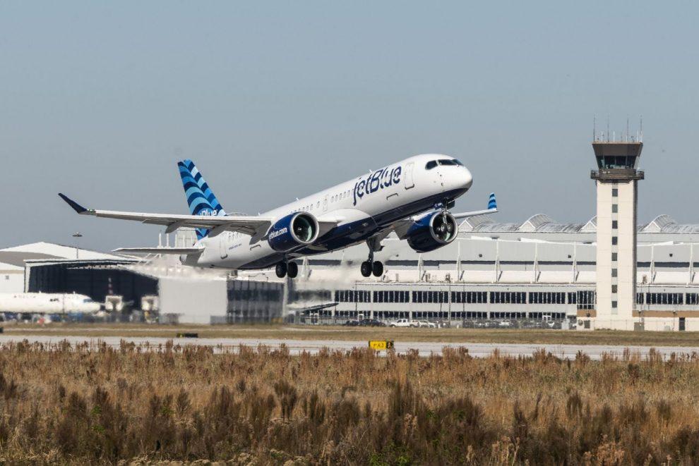 Airbus A220-300 v barvách JetBlue. Foto: JetBlue