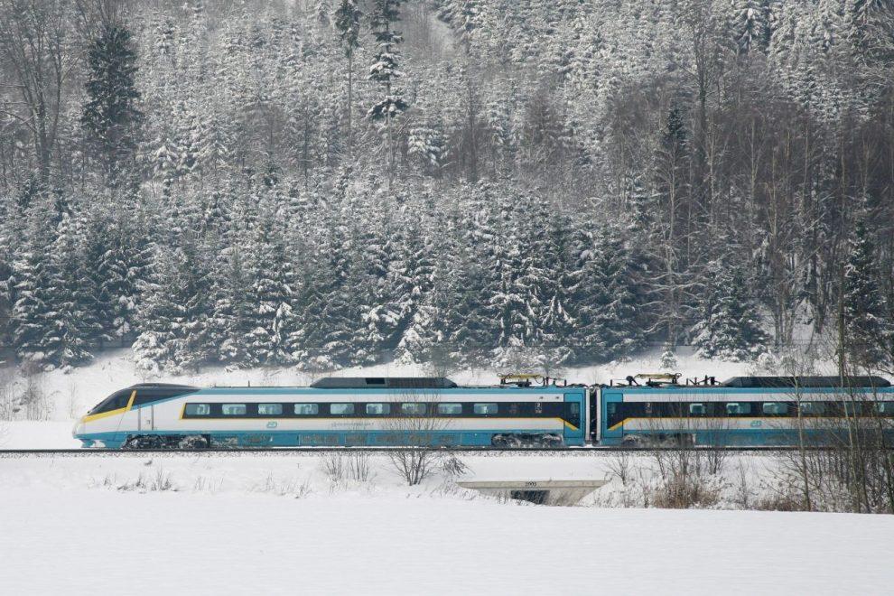 Pendolino mezi Chocní a Ústím nad Orlicí. Foto: České dráhy