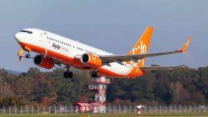 Boeing 737-800 společnosti SkyUp Airlines v Ostravě. Foto: Radim Koblížka / LKMT Spotters