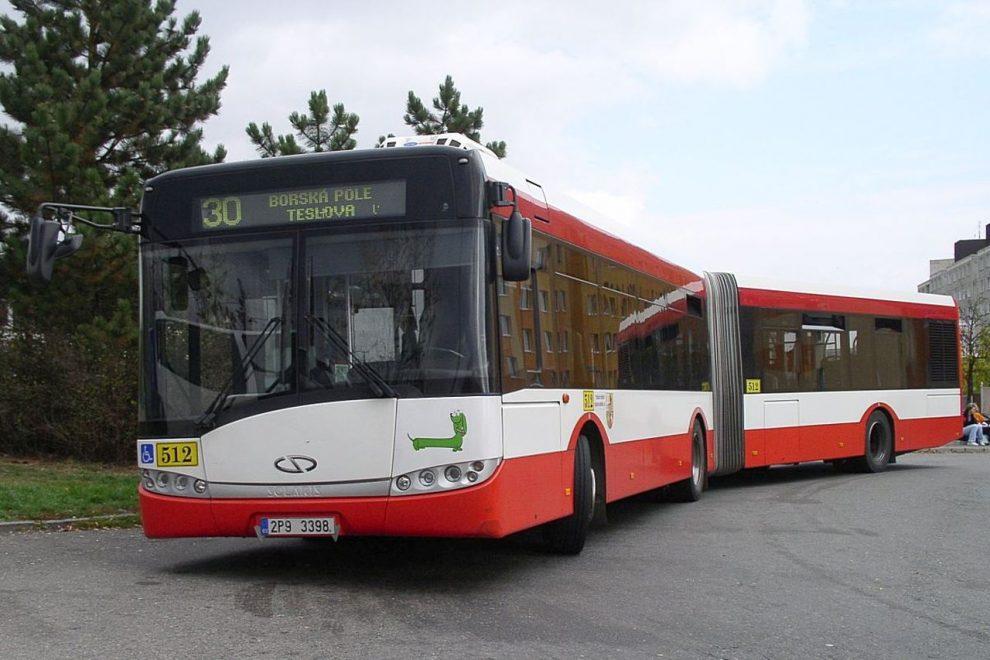 Solaris Urbino 18 v barvách Plzeňských městských dopravních podniků. Foto: PMDP