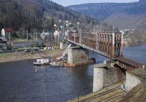 Most přes Labe u Prostředního Žlebu. Foto: Chládek a Tintěra