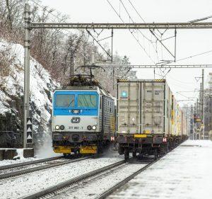 Lokomotiva 371 Českých drah v Týnci nad Labem. Foto: České dráhy