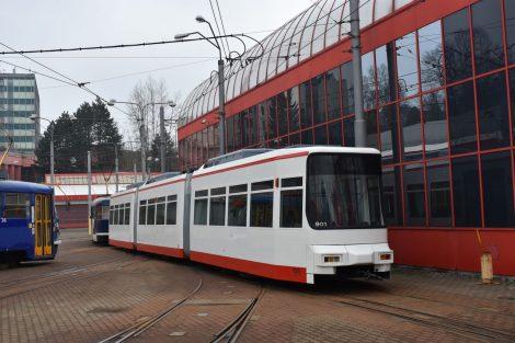 Manipulace s tramvají GT6M v Liberci. Foto: Cegelec