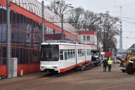 Nakládka tramvaje GT6M po modernizaci v Liberci. Foto: Cegelec