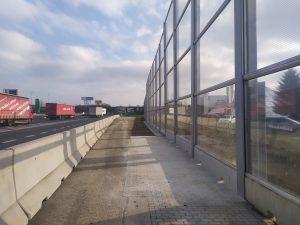 Protihluková stěna u Průhonic na D1. Foto: ŘSD