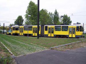 Tramvaj KT4Dm v Berlíně. By Christian Liebscher (Platte) - Own work, CC BY-SA 3.0, https://commons.wikimedia.org/w/index.php?curid=4638407