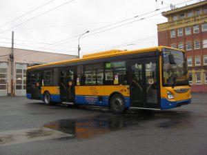 Autobus Iveco Urbanway 12 pro Dopravní společnost Zlín - Otrokovice. Foto: DSZO