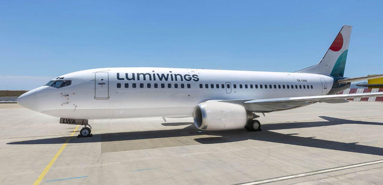 Boeing 737-300 společnosti Lumiwings. Foto: Lumiwings