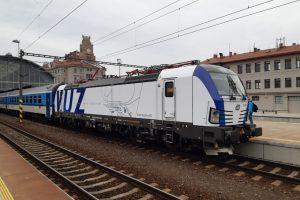 Lokomotiva Siemens Vectron v čele Západního expresu. Foto: České dráhy