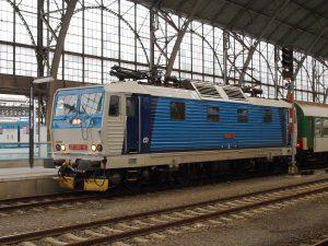 Lokomotiva řady 371. Autor: Honza Groh (Jagro) – Vlastní dílo, CC BY-SA 3.0, https://commons.wikimedia.org/w/index.php?curid=8673666