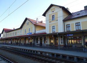 Nádraží Benešov. Autor: ŠJů, Wikimedia Commons