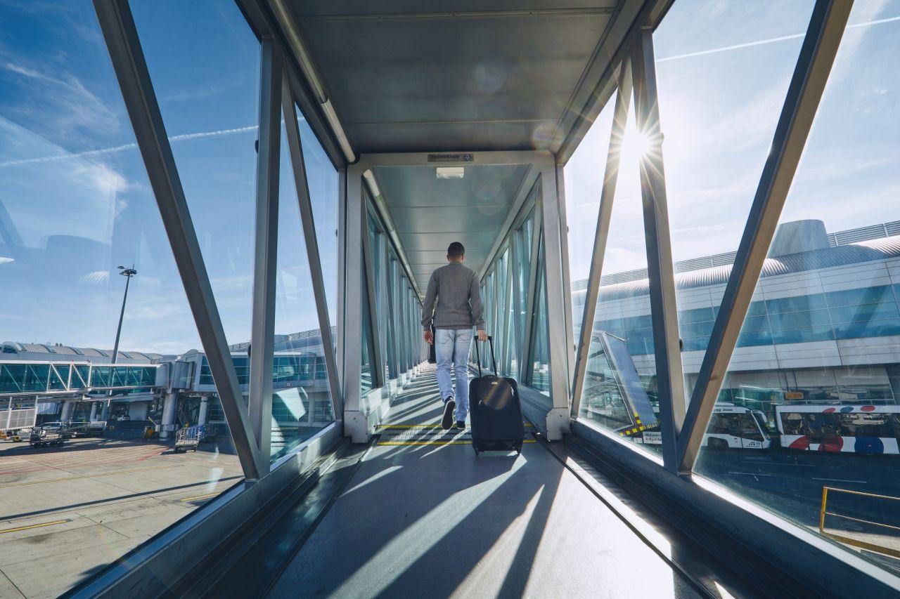 Cestující na Letišti Václava Havla. Foto: Letiště Praha