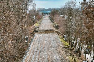 Bývalá trať, budoucí zelená promenáda. Pramen: ROPID