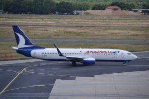 Boeing 737-800 v barvách AnadoluJet. Foto: Alec Wilson / Flickr.com