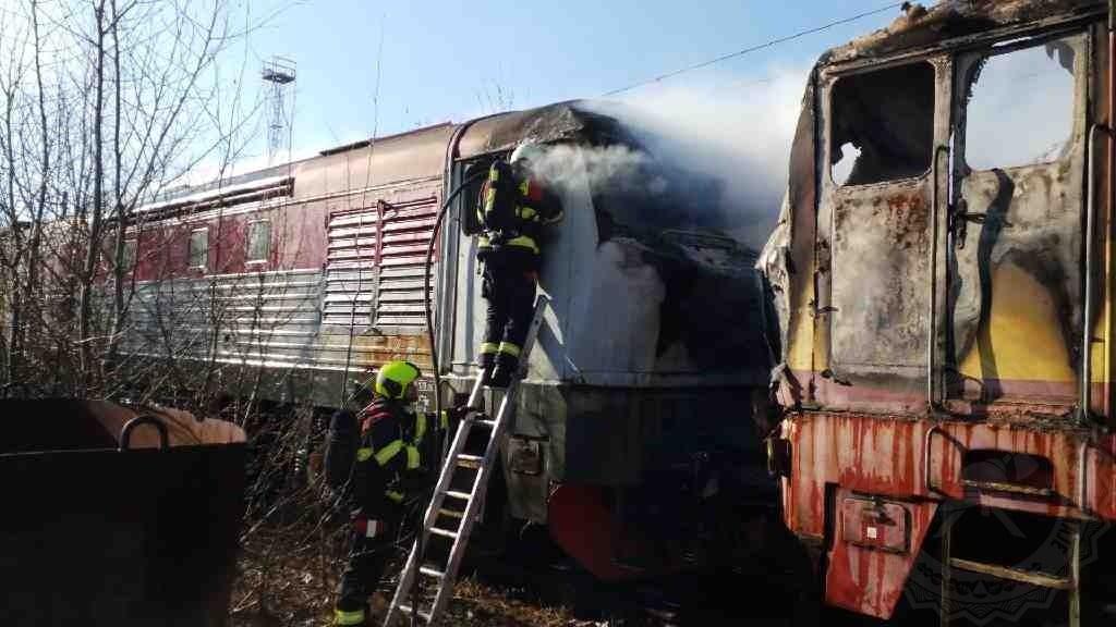 Požár lokomotiv řady 749 v České Třebové 7.3. 2021. Foto: HZS Pardubického kraje