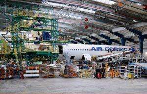 Letadlo Air Corsica v ruzyňském hangáru na údržbě. Pramen: CSAT