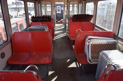Interiér jednotky EMU 89.003. Foto: DPB