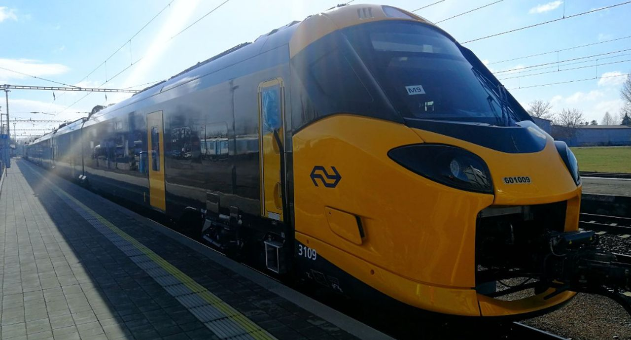 Jednotka ICNG od Alstomu na Zkušebním železničním okruhu Cerhenice. Foto: VUZ