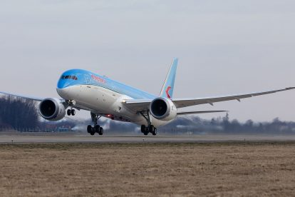 Boeing 787-9 společnosti Neos v Ostravě. Foto: Radim Koblížka / LKMT Spotters