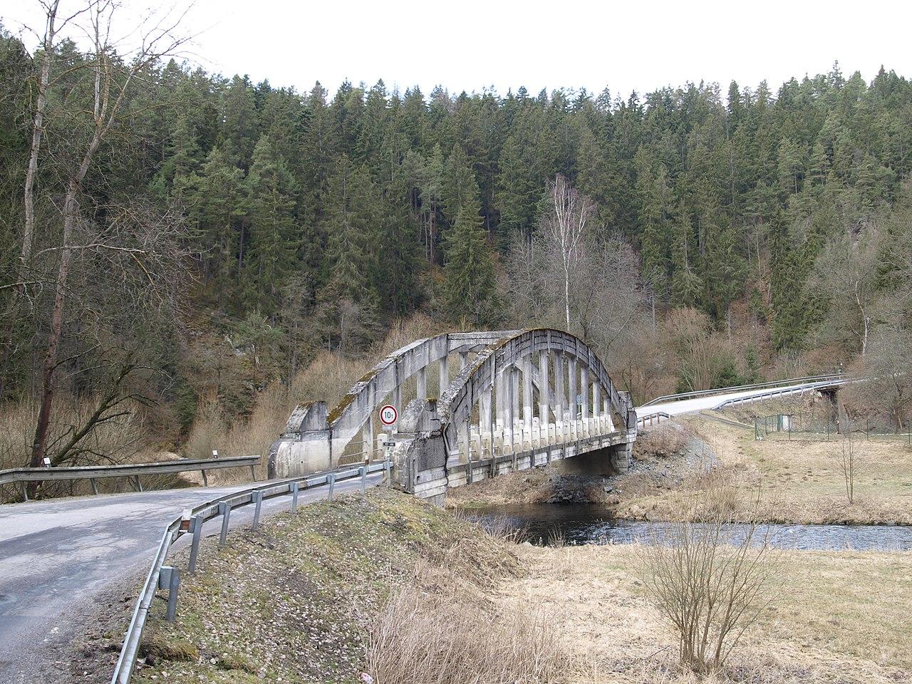 Jihočeská silnice II/157, ilustrační foto. Autor: Horst – Vlastní dílo, CC BY-SA 4.0, https://commons.wikimedia.org/w/index.php?curid=68244845