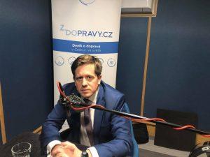 Radek Mátl při natáčení podcastu Cesty Zdopravy. Foto: Ondřej Kubala
