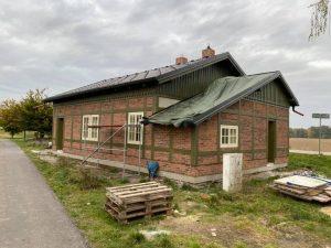 Rekonstrukce nádražní budovy v Úvalnu. Foto: Obec Úvalno