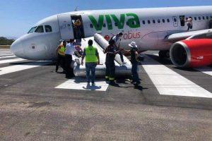 Kolaps podvozku Airbus A320 společnosti Viva Aerobus v Puerto Vallarta. Foto: Metropolitano Ags / Twitter.com