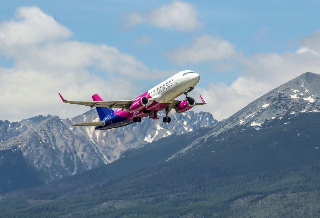 Airbus A320 společnosti Wizz Air odlétá z letiště Poprad - Tatry. Foto: Letisko Poprad - Tatry