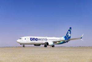 Boeing 737-900 Alaska Airlines v barvách aliance oneworld. Foto: Alaska Airlines