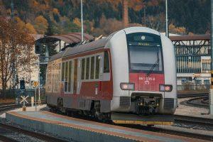 Motorová jednotka řady 861 slovenských drah. Pramen: ZSSK