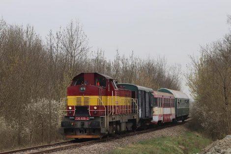 Mimořádný vlak Javorník ve Slezsku - Hevlín. Pramen: Gepard Express/Albert Fikáček