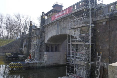 Plavební komora Hořín je před dokončením. Pramen: ŘVC