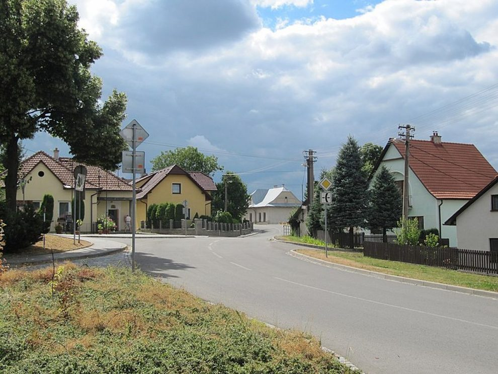 Silnice II/494 v Lipině. Foto: Palickap / Wikimedia Commons