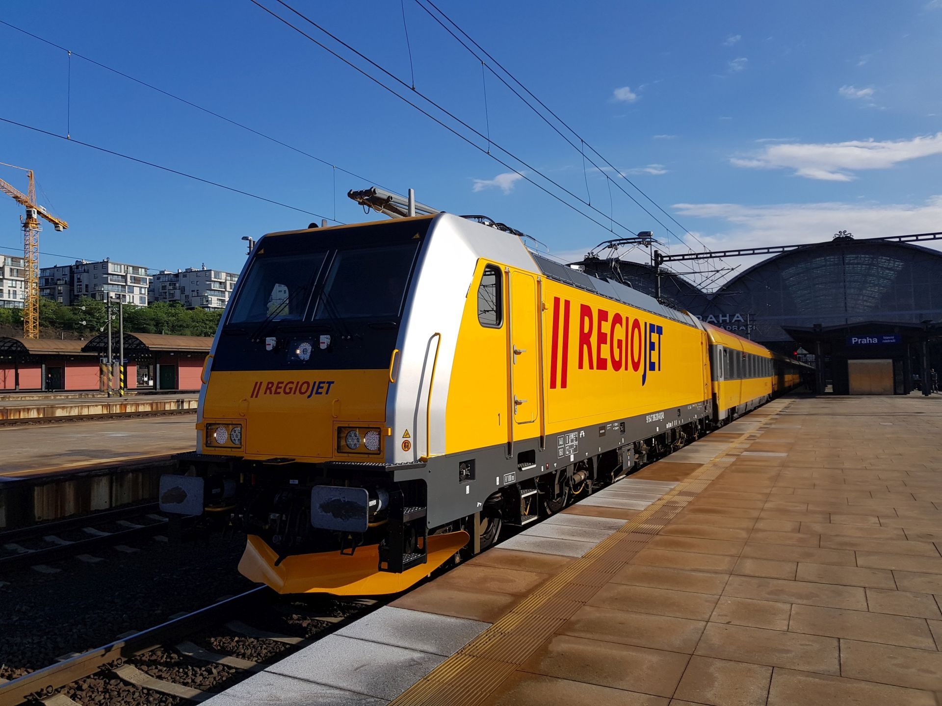 Vlak RegioJetu na pražském Hlavním nádraží. Pramen: RegioJet