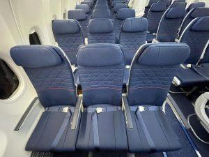 Interiér Boeingu 737 MAX 8. Foto: Blue Air
