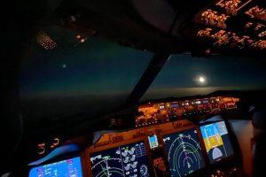 V kokpitu 737 MAX 8 při letu ze Seattlu do Bukurešti. Foto: Blue Air