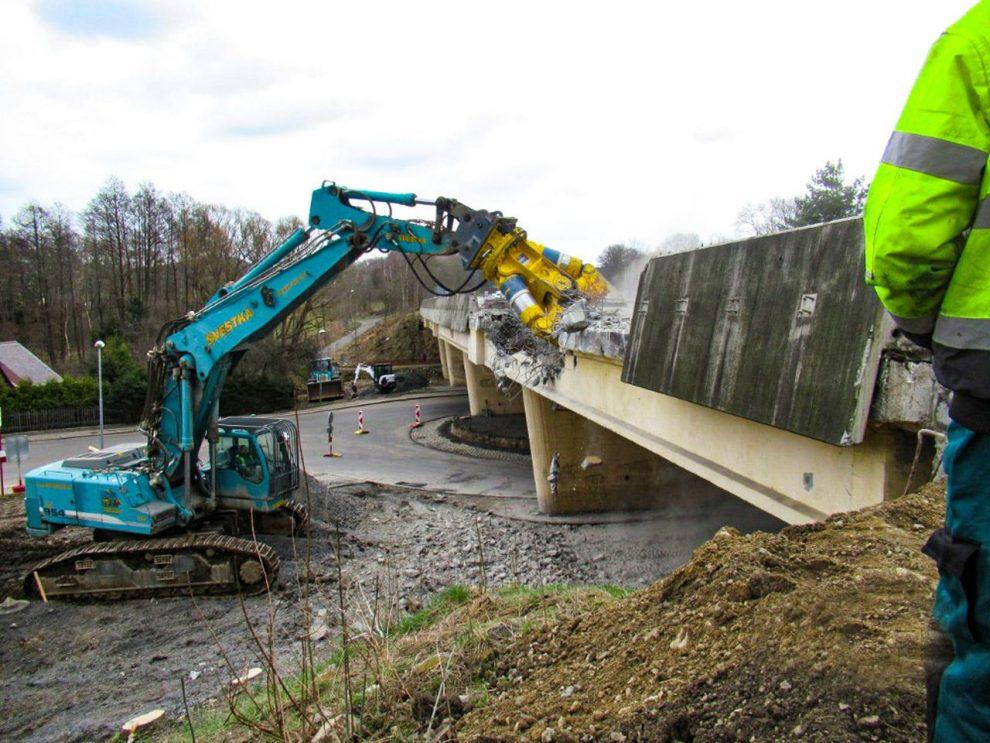 Demolice mostu na silnici I/35 v Liberci - Doubí. Foto: ŘSD