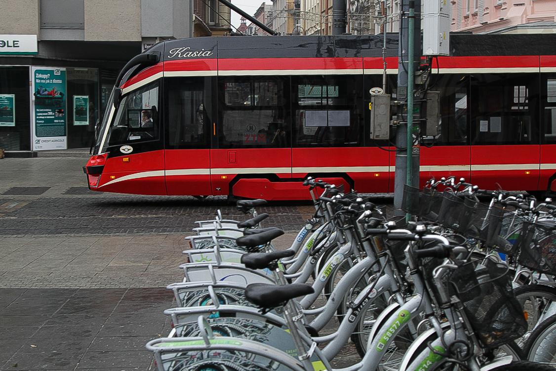 Sdílená kola v Katovicích. Pramen: Foto: Metropolia GZM/ Witold Trólka