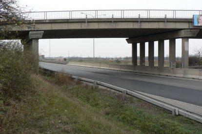 Most Bystrá přes D10. Stav v roce 2018. Foto: HOP - Hnutí Občanů Počernic s podporou Pirátů