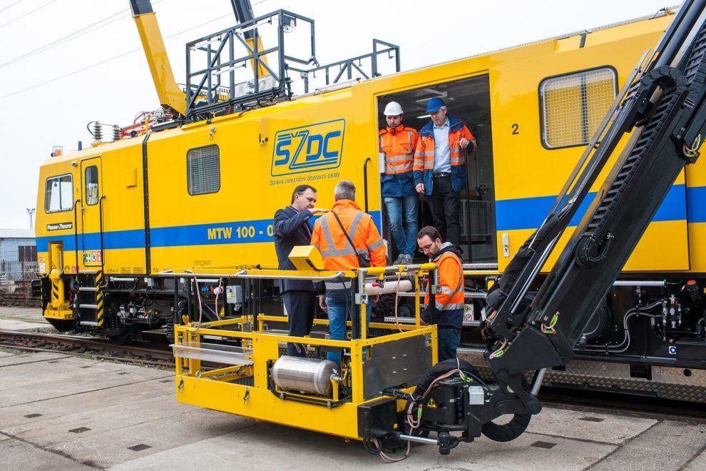 Speciální vozidlo MTW 100.013/7. Foto: Správa železnic