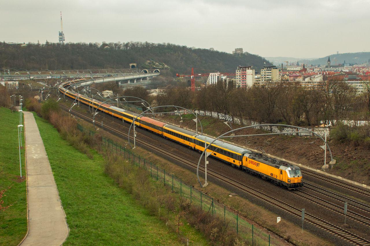 Testovací souprava RegioJetu pro státní postrky na Novém spojení. Foto: Dalibor Palko
