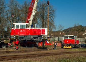 Nakládka lokomotiv EffiShunter 300 do Srbska. Foto: Dalibor Palko
