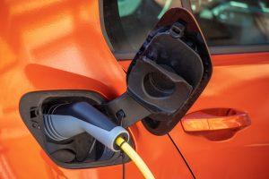 Dobíjení elektromobilu, ilustrační foto. Pramen: Shutterstock