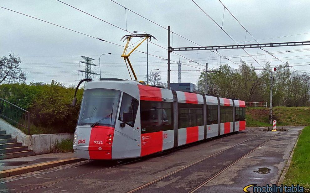 Tramvaj 14T v nových barvách PID. Foto: MobilniTabla.cz