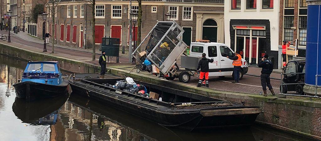 Popeláři v Amsterdamu. Pramen: Město Amsterdam