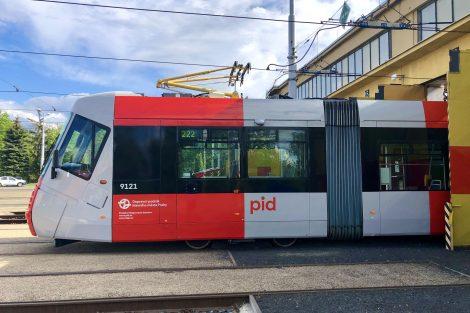 Tramvaj 14T v nových barvách PID. Autor: DPP/Daniel Šabík
